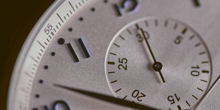 A clock showing time is running out for IVDR compliance